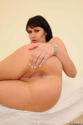 Kendra Lust Eva Karera - Bodacious Bordello Babe 17-04