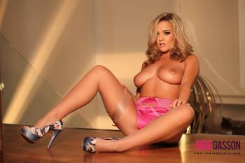 set044 Sexy In Pink Lingerie 27.10.12