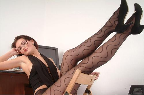 0931-Lisa-Black Tie