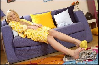 HLF - 05-09 - Yasmine Gold - 5974h
