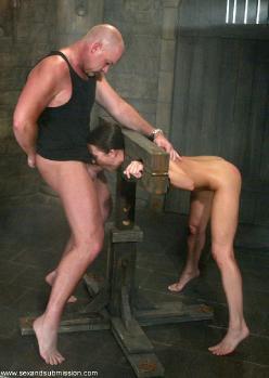 бдсм девушки насилуют парней картинки