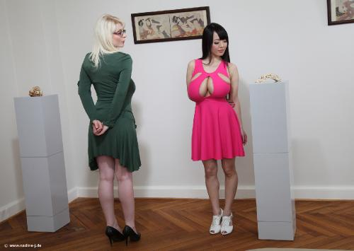2015-07 - Erotic Art Gallery (with Casey) - 62 pix