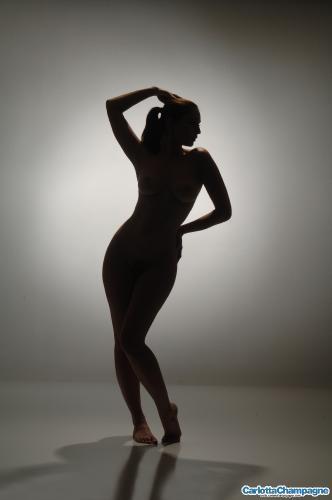 clc a041 Pretty Figure Posing