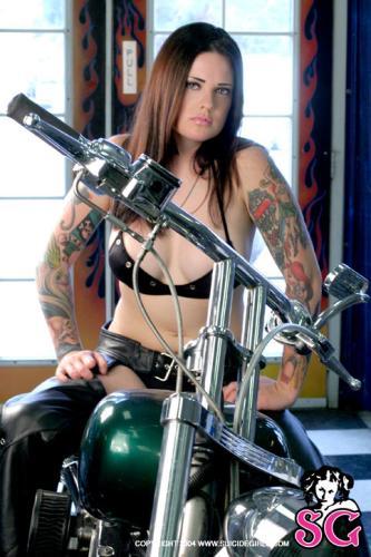 08-10 - Amina - Bike