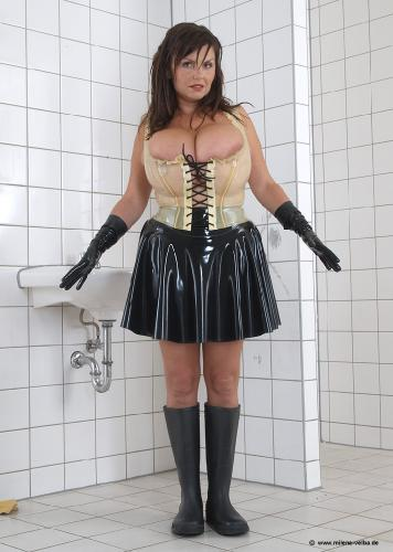 Latexmaid (2005 oct)