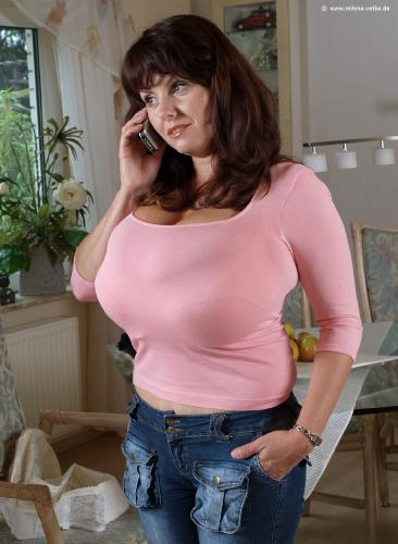 Tight top over small bra (2005 aug)