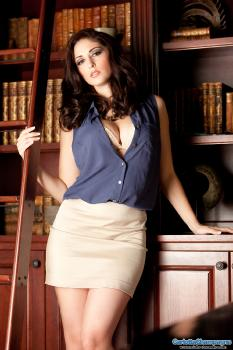 clc g099 The Lusty Librarian