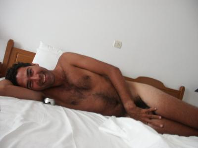 Amateur big tits girl posing naked