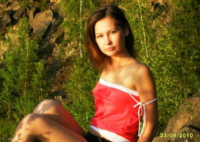 Cute Russian amateur girl posing naked and shows her beautiful body