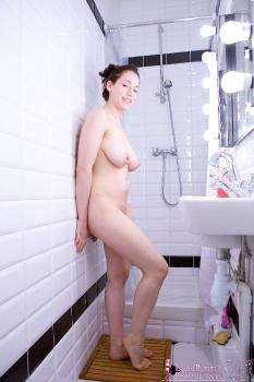 03 - Delphine - Shower (47) 4000px