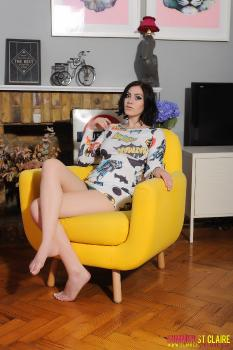 set091 Teasing On Yellow Chair 29.11.14