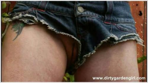 DirtyGardenGirl - Amelia 2011-03-18