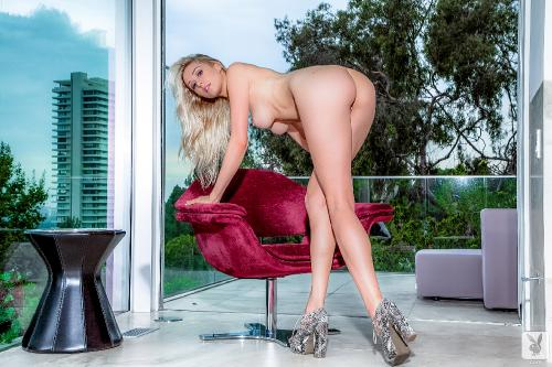 maggie-ross-sensual-blonde