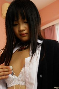 Hikaru Momose - Hikaru Momose Asian schoolgirl has a shaved pussy