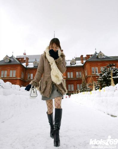 Kurumi Morishita - Kurumi Morishita Lovely Japanese Model Tours The City