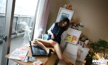 Kasumi - Schoolgirl Kasumi Shows Her Willingness To Show Her Pussy