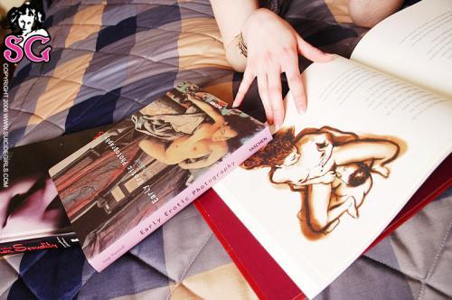 06-22 - Adria - Bedtime Reading