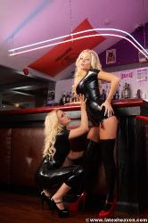 Two Blondes In Black - Francesa